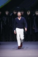 zegna-couture_fw-2014-15_fashion-show_stefano-pilati_designer-walk-out