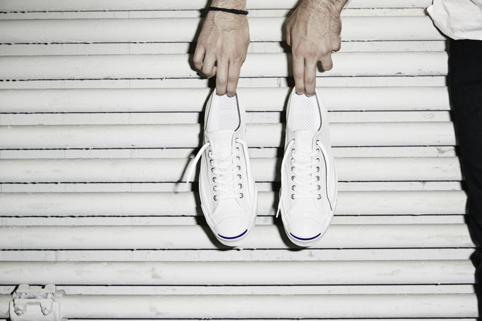 Converse_Jack_Purcell_Signature_White_-_Hands_33021